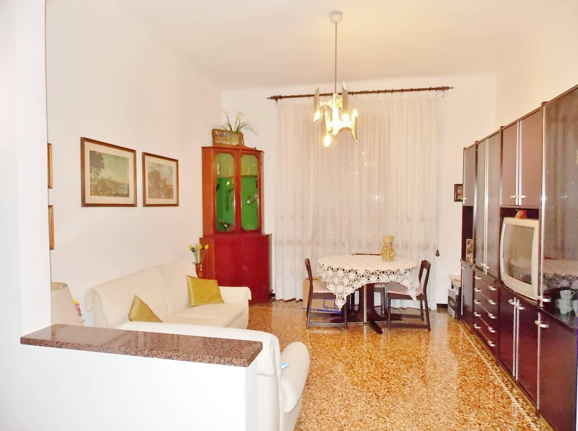 vendita appartamento genova principe  68000 euro  6 locali  75 mq