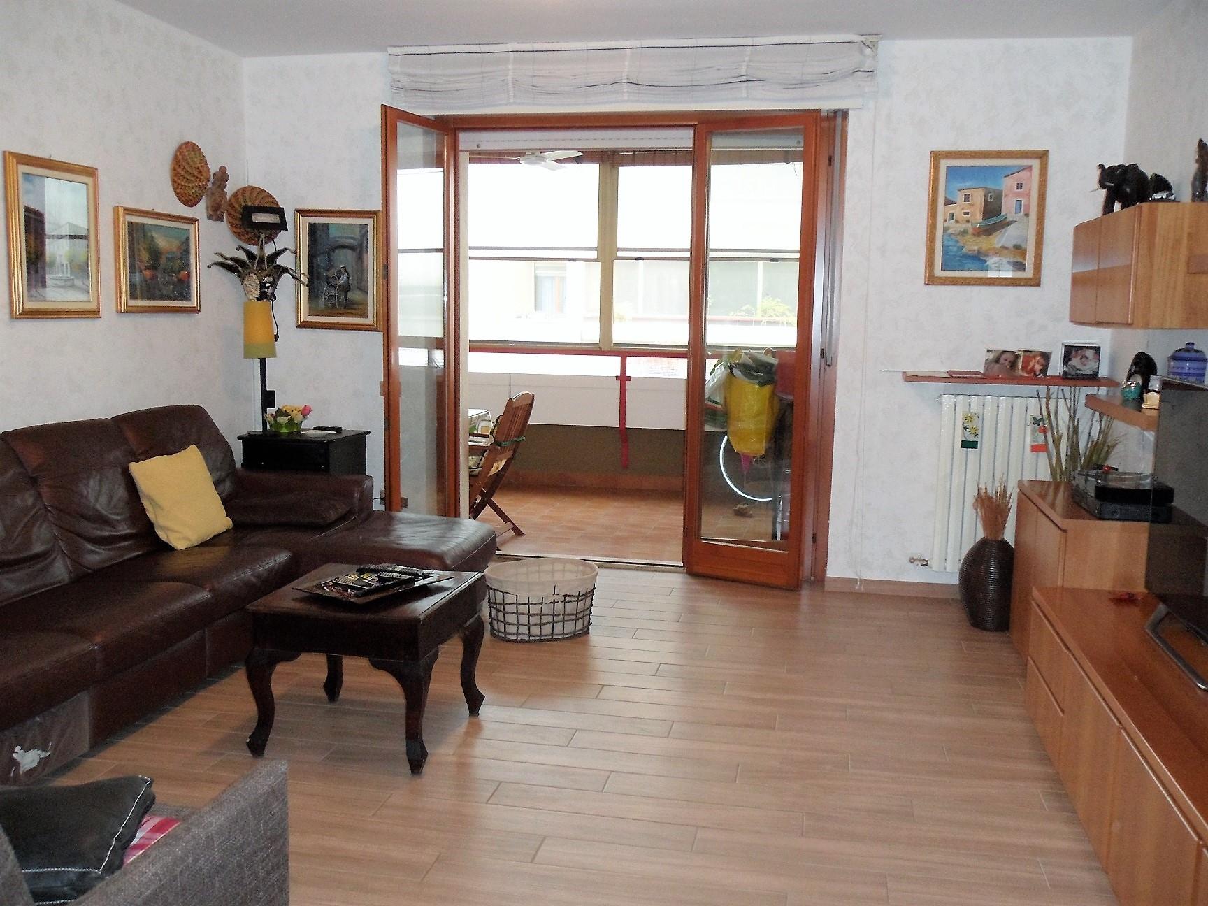Pieve Emanuele | Appartamento in Vendita in via delle rose | lacasadimilano.it