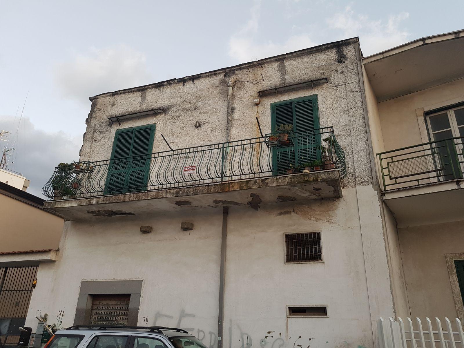 Appartamento in vendita a Brusciano, 4 locali, prezzo € 110.000 | CambioCasa.it