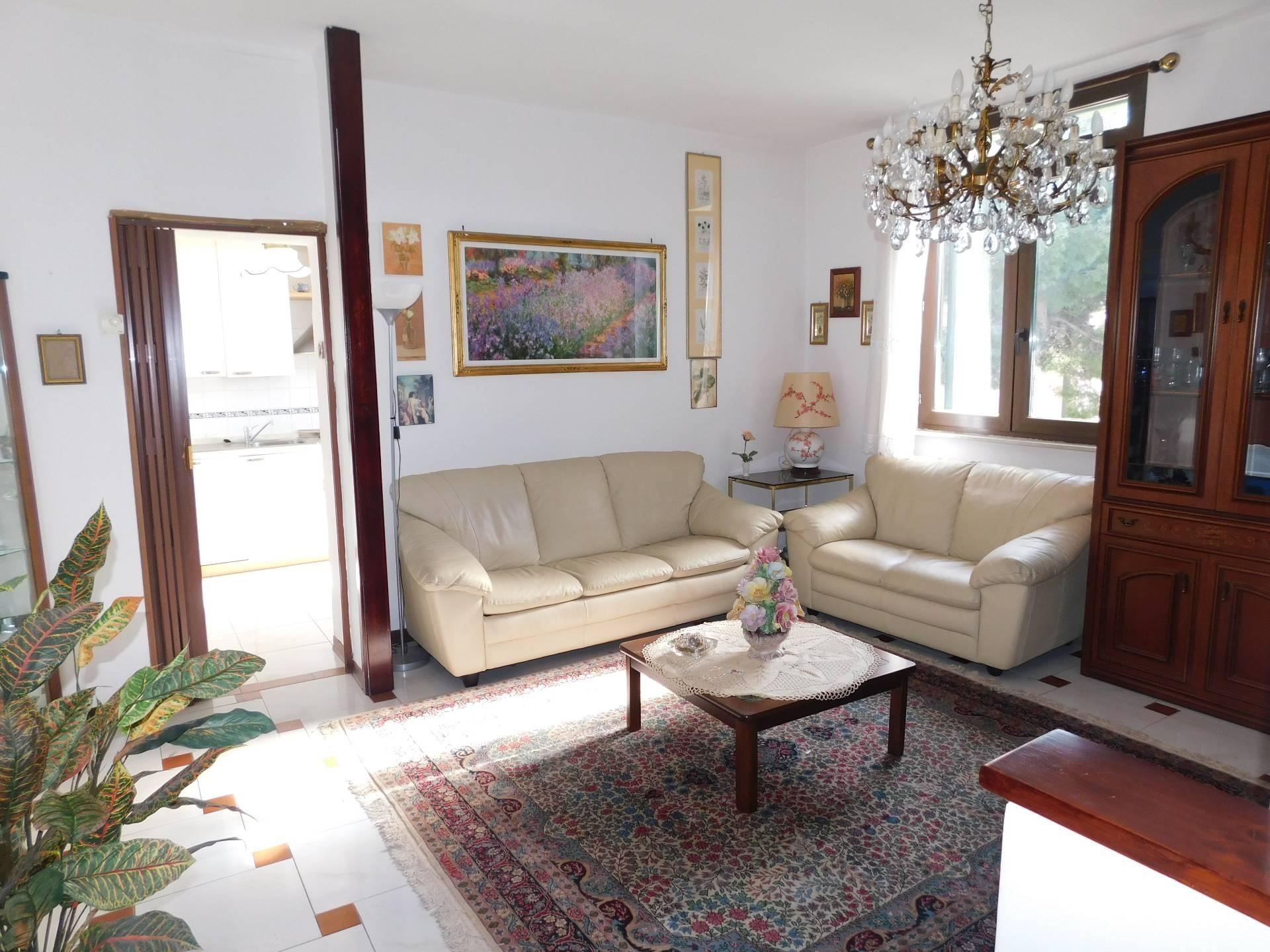 vendita appartamento genova pra  134000 euro  6 locali  70 mq