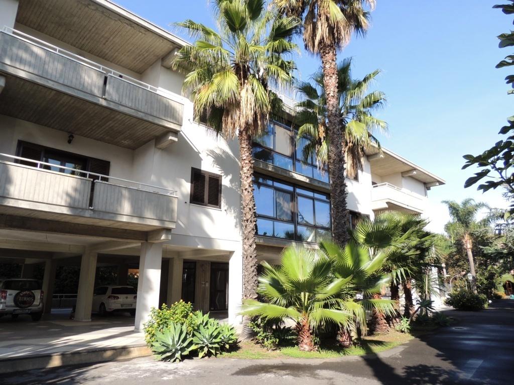 Appartamento in affitto a Gravina di Catania, 7 locali, zona Località: Centro, prezzo € 750   Cambio Casa.it