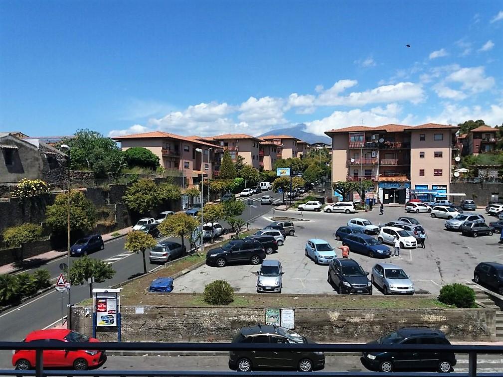 Appartamento in affitto a Mascalucia, 5 locali, zona Località: zonaCentro(C.sosanVito..., prezzo € 650   Cambio Casa.it