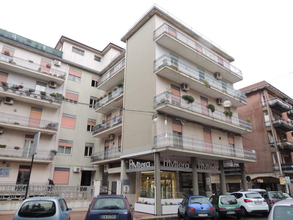 Appartamento in vendita a Mascalucia, 4 locali, zona Località: zonaCentro(C.sosanVito..., prezzo € 185.000 | CambioCasa.it