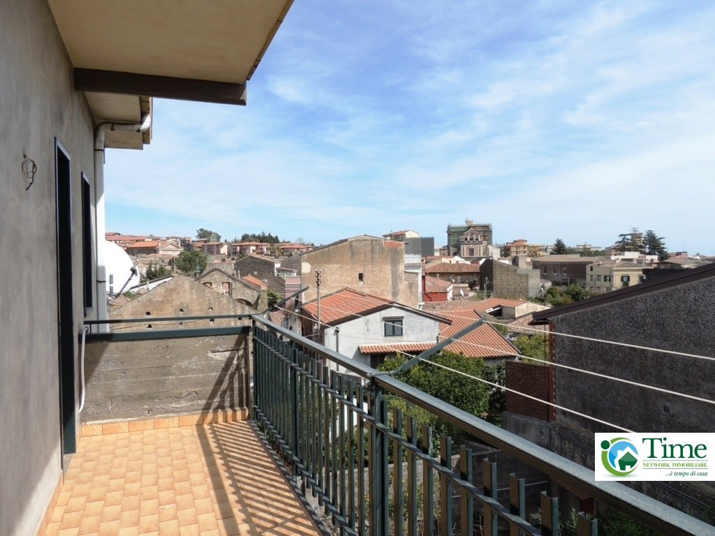 Appartamento in affitto a Mascalucia, 3 locali, zona Località: CentroStorico(ViaEtnea/ViaRoma...., prezzo € 500   CambioCasa.it