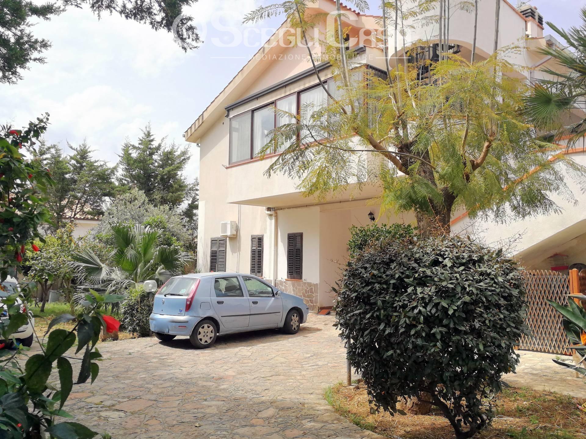 Villa in vendita a Capaci, 8 locali, prezzo € 295.000 | CambioCasa.it