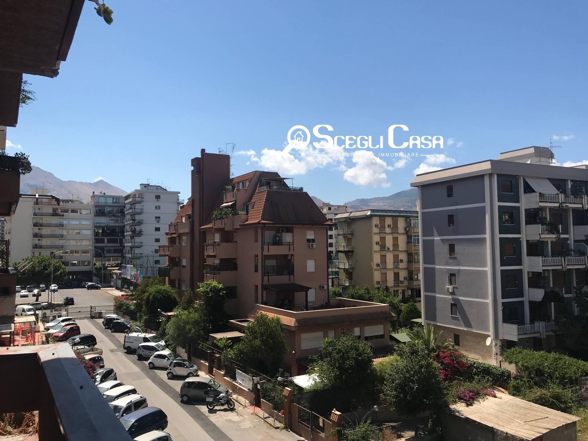 vendita appartamento palermo galilei  350000 euro  6 locali  190 mq