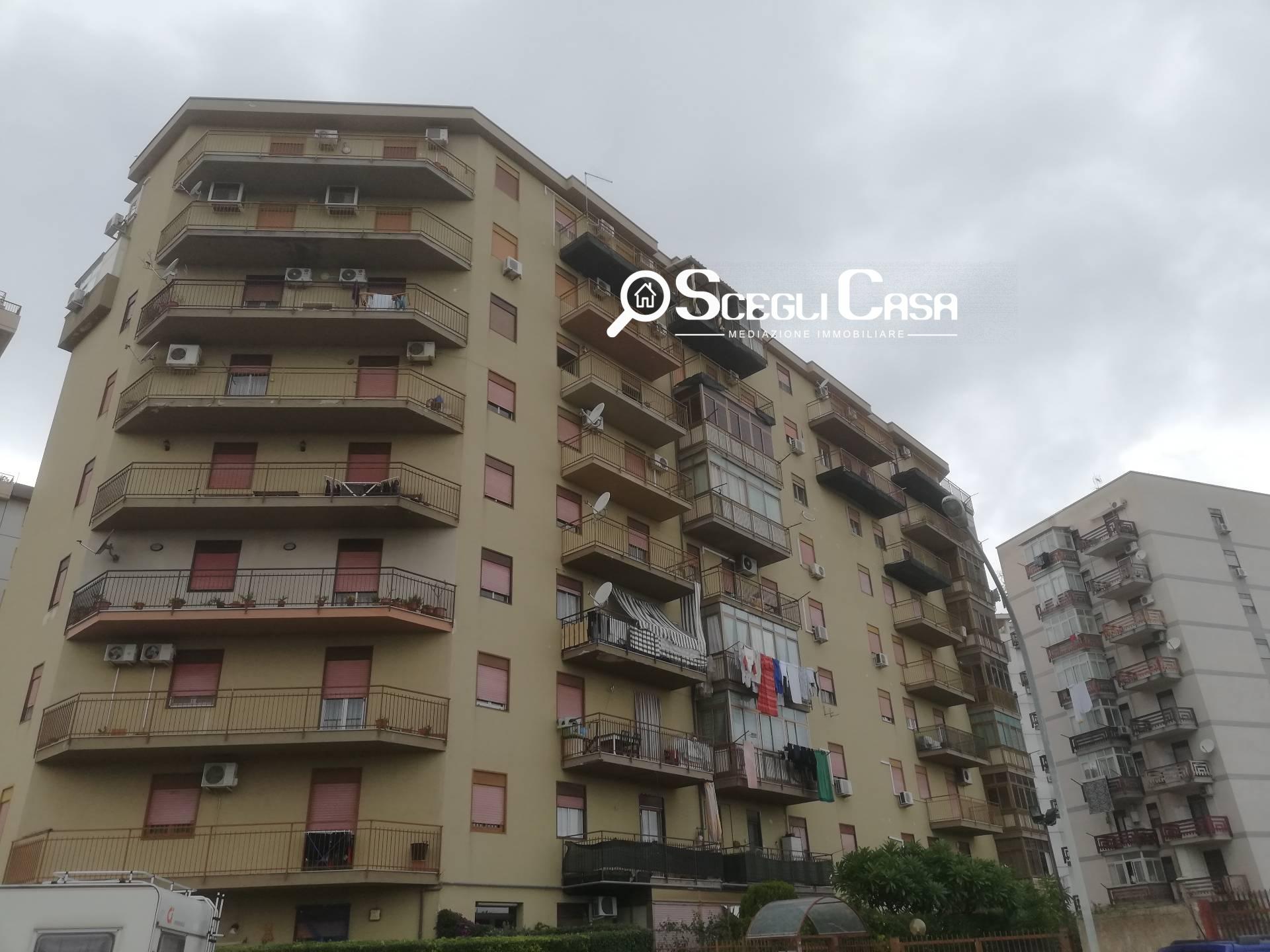 vendita appartamento palermo università  125000 euro  3 locali  118 mq