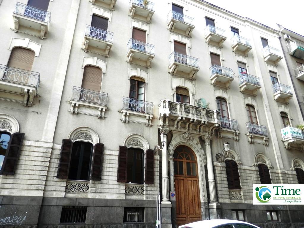 catania affitto quart: via etnea - via umberto time-network-immobiliare-agenzia-gravina