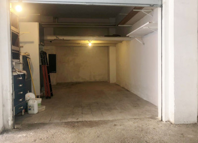 Box o garage in Vendita a Roma