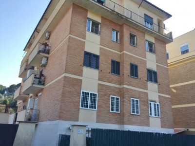 Quadrilocale in Affitto a Roma