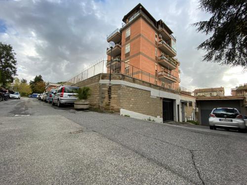 Box o garage in Affitto a Roma